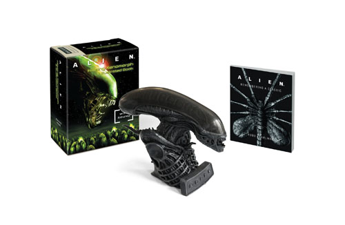 Alien Hissing Xenomorph & Book Kit
